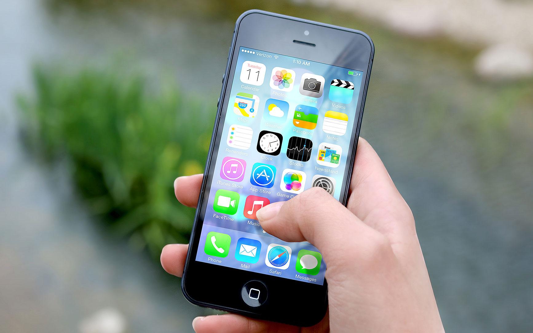 apple-iphone-smartphone